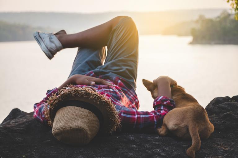 Pán se psem na dovolené